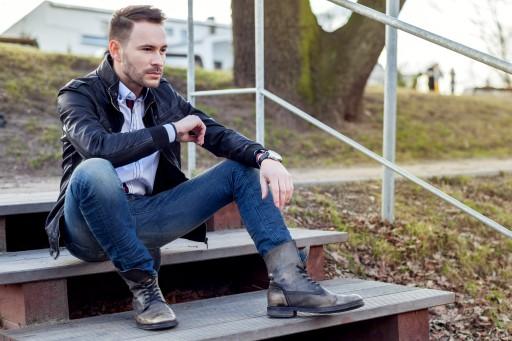 Jeansowe spodnie. Jak wybrać? Jak nosić?